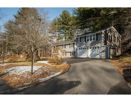 Single Family Home for Sale at 147 Elm Street 147 Elm Street North Reading, Massachusetts 01864 United States