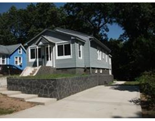 Casa Unifamiliar por un Venta en 269 Denver Street Springfield, Massachusetts 01109 Estados Unidos