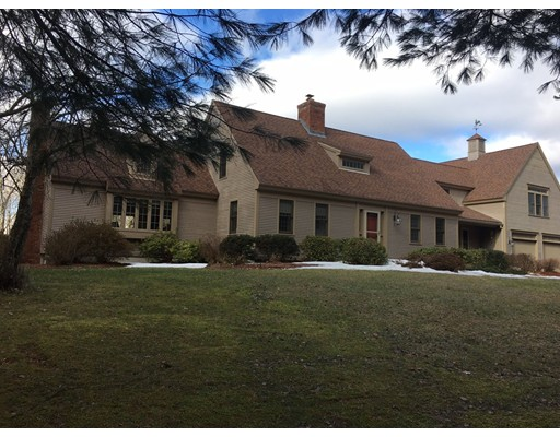 Maison unifamiliale pour l Vente à 152 Suomi Street 152 Suomi Street Paxton, Massachusetts 01612 États-Unis