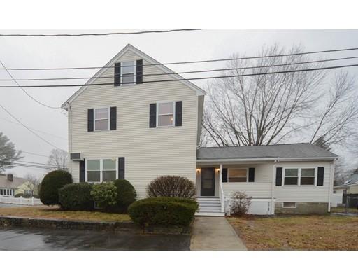 Casa Unifamiliar por un Venta en 65 Grandfield Street 65 Grandfield Street Dedham, Massachusetts 02026 Estados Unidos