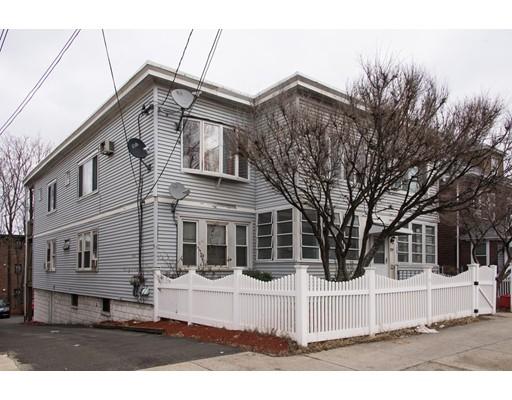 Maison avec plusieurs logements pour l Vente à 221 Webster Avenue 221 Webster Avenue Chelsea, Massachusetts 02150 États-Unis