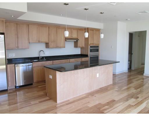 独户住宅 为 出租 在 150 Adams Street 牛顿, 马萨诸塞州 02458 美国
