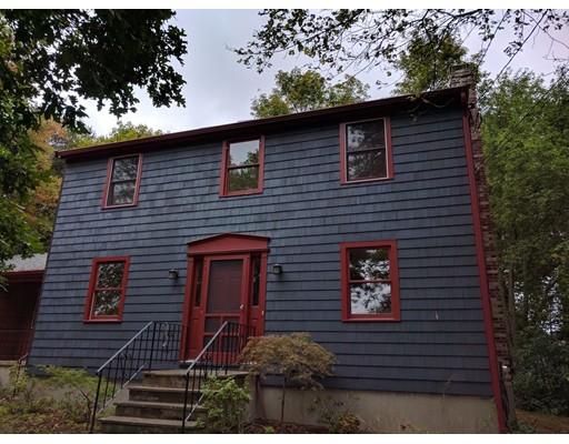Maison unifamiliale pour l à louer à 98 Pleasant Street 98 Pleasant Street Medfield, Massachusetts 02052 États-Unis