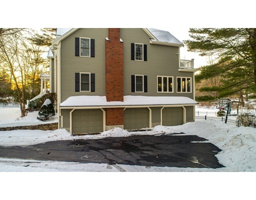 Single Family Home for Sale at 10 Warwick Circle 10 Warwick Circle Andover, Massachusetts 01810 United States