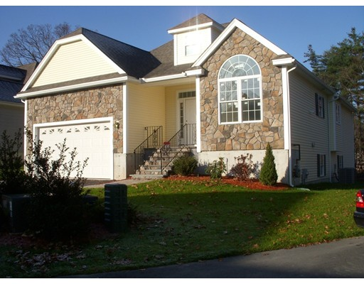 Single Family Home for Rent at 24 Rebecca Way 24 Rebecca Way Methuen, Massachusetts 01844 United States