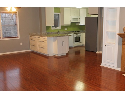 Appartement en copropriété pour l à louer à 185 Manville Hill Road #207 185 Manville Hill Road #207 Cumberland, Rhode Island 02864 États-Unis