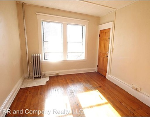 Casa Unifamiliar por un Alquiler en 106 Lincoln Street Springfield, Massachusetts 01108 Estados Unidos