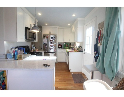 Additional photo for property listing at 126 Foster Terrace  Boston, Massachusetts 02135 Estados Unidos