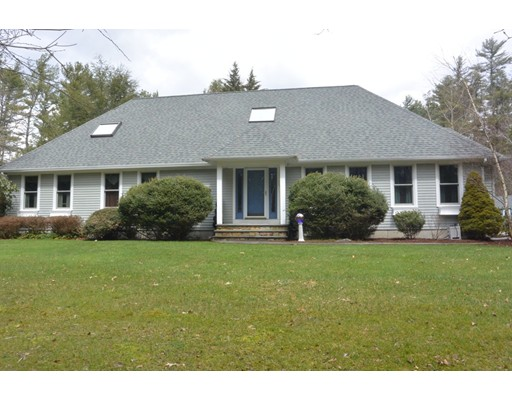Single Family Home for Sale at 16 Brookstone Road 16 Brookstone Road Lakeville, Massachusetts 02347 United States