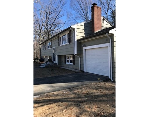 Additional photo for property listing at 103 Connell Drive 103 Connell Drive Stoughton, Massachusetts 02072 Estados Unidos