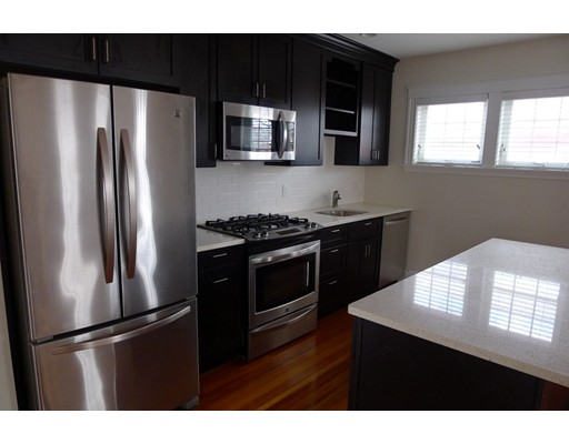 Квартира для того Аренда на 32 Chestnut Street #2 32 Chestnut Street #2 Belmont, Массачусетс 02478 Соединенные Штаты