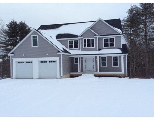 Single Family Home for Sale at 2 Mayflower Drive 2 Mayflower Drive Upton, Massachusetts 01568 United States