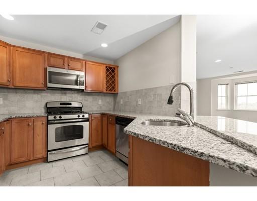 Кондоминиум для того Продажа на 120 Wyllis Avenue 120 Wyllis Avenue Everett, Массачусетс 02149 Соединенные Штаты