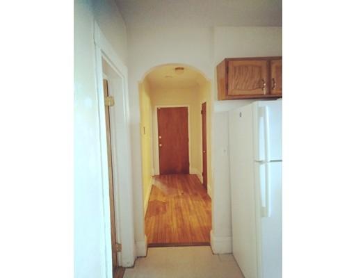 Casa Unifamiliar por un Alquiler en 8 Willowwood Street Boston, Massachusetts 02124 Estados Unidos