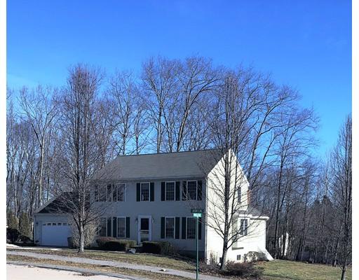 واحد منزل الأسرة للـ Sale في 2 Ash Lane 2 Ash Lane Dudley, Massachusetts 01571 United States