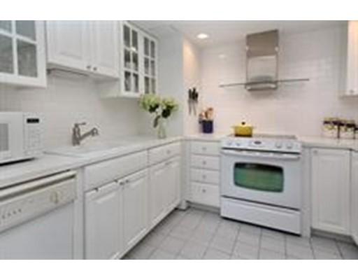 独户住宅 为 出租 在 1731 Beacon 布鲁克莱恩, 马萨诸塞州 02445 美国