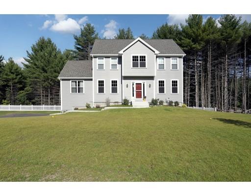 Maison unifamiliale pour l Vente à 4 Rifleman Way 4 Rifleman Way Uxbridge, Massachusetts 01569 États-Unis