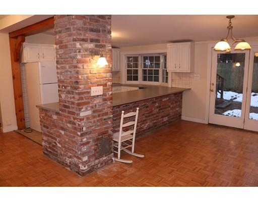 公寓 为 出租 在 172 Chestnut St #2A 172 Chestnut St #2A 北安德沃, 马萨诸塞州 01845 美国