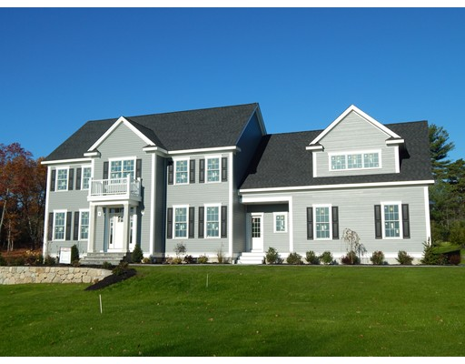 Maison unifamiliale pour l Vente à 19 Hampton Road 19 Hampton Road Norfolk, Massachusetts 02056 États-Unis