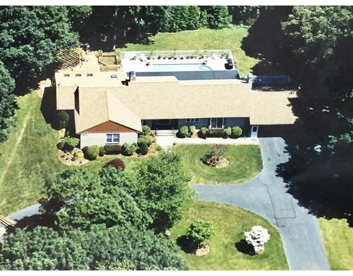 Частный односемейный дом для того Продажа на 34 Fairway Lane 34 Fairway Lane Foxboro, Массачусетс 02035 Соединенные Штаты