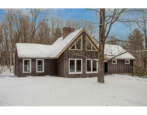 独户住宅 为 销售 在 99 Jewett Street 99 Jewett Street 佩波勒尔, 马萨诸塞州 01463 美国