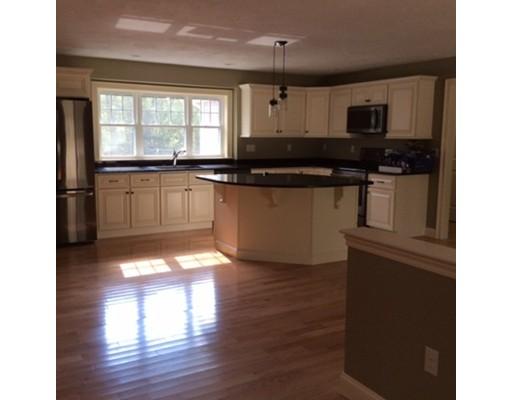 Maison unifamiliale pour l Vente à 2 Eber Taft 2 Eber Taft Uxbridge, Massachusetts 01569 États-Unis