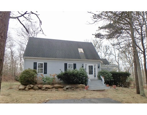 Single Family Home for Sale at 4 Old Purchase Way 4 Old Purchase Way Edgartown, Massachusetts 02539 United States