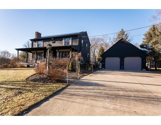 Single Family Home for Sale at 174 Colonial Drive 174 Colonial Drive Somerset, Massachusetts 02726 United States