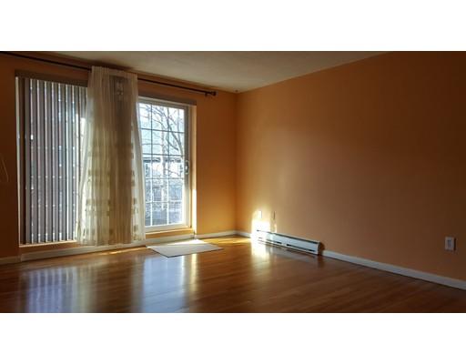 Casa Unifamiliar por un Alquiler en 79 Poplar Street Boston, Massachusetts 02131 Estados Unidos