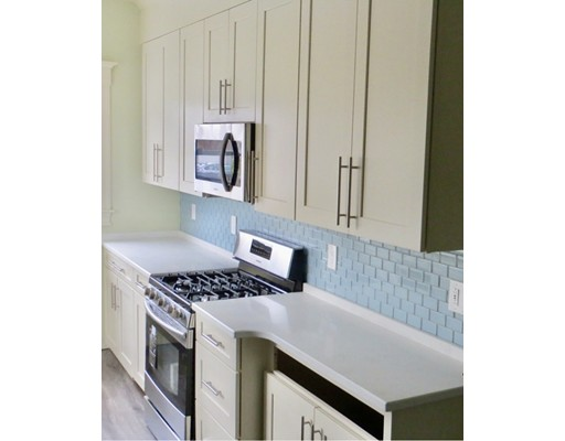 共管式独立产权公寓 为 出租 在 54 Lincoln St #1 54 Lincoln St #1 温思罗普, 马萨诸塞州 02152 美国