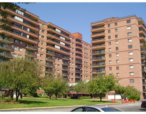 Additional photo for property listing at 3920 Mystic Valley Pkwy  梅福德, 马萨诸塞州 02155 美国