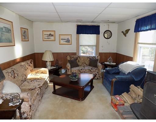 81 Delamont Ave, North Attleboro, MA, 02760