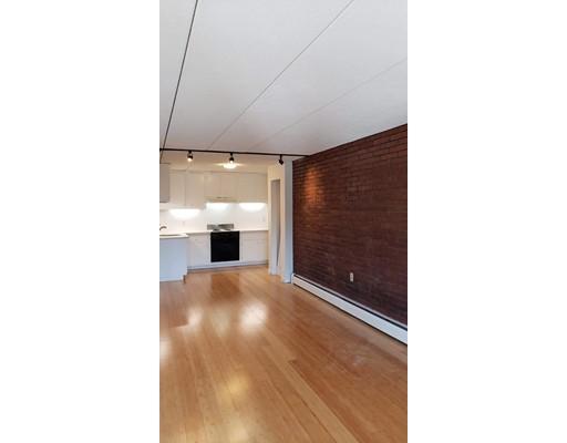 Appartement en copropriété pour l à louer à 47 Homer Ave. #4-1 47 Homer Ave. #4-1 Cambridge, Massachusetts 02138 États-Unis
