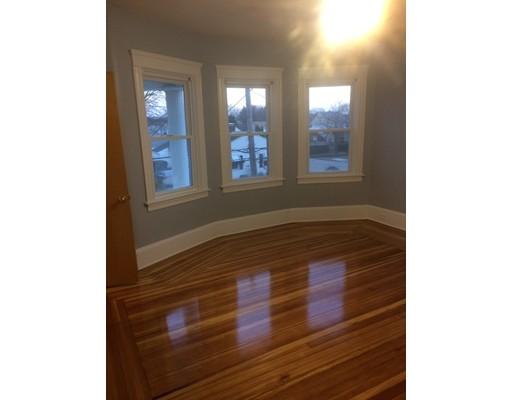 Частный односемейный дом для того Аренда на 205 Bloomfield 205 Bloomfield Pawtucket, Род-Айленд 02861 Соединенные Штаты