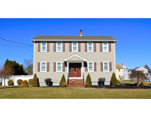 Casa Unifamiliar por un Venta en 14 WOODSIDE Avenue 14 WOODSIDE Avenue Fairhaven, Massachusetts 02719 Estados Unidos
