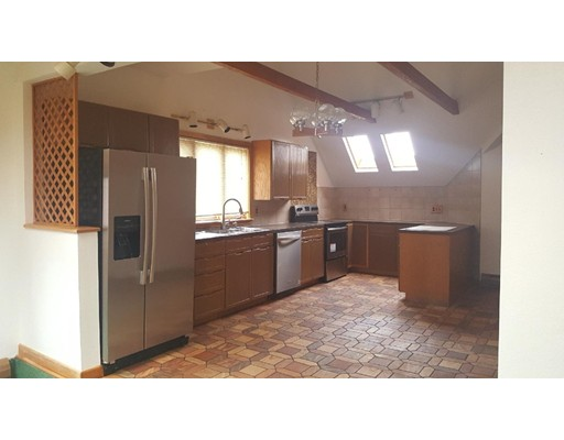 Additional photo for property listing at 586 Franklin Street  Worcester, Massachusetts 01604 Estados Unidos