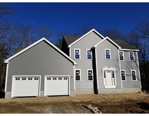 Additional photo for property listing at 12 Tucker Hill Road  Uxbridge, Massachusetts 01569 Estados Unidos