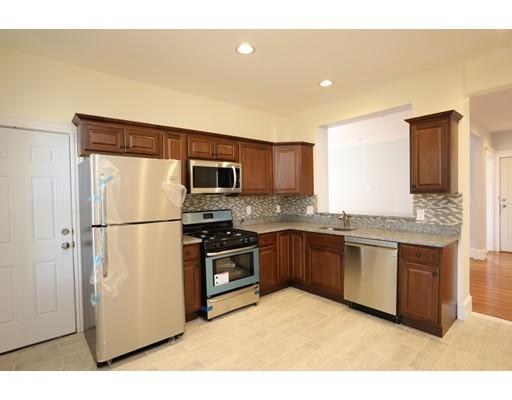 Casa Unifamiliar por un Alquiler en 10 Wilmore Street Boston, Massachusetts 02126 Estados Unidos