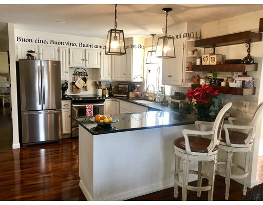 独户住宅 为 销售 在 251 Long Plain Road 251 Long Plain Road Whately, 马萨诸塞州 01093 美国
