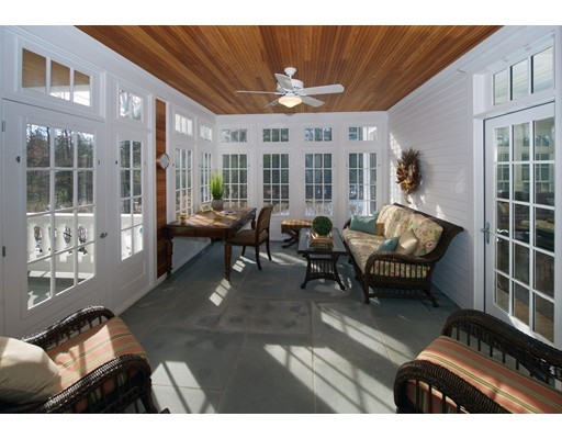 Частный односемейный дом для того Продажа на 75 Goodnow Road 75 Goodnow Road Sudbury, Массачусетс 01776 Соединенные Штаты