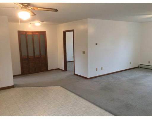 公寓 为 出租 在 116 Davis Rd #2 116 Davis Rd #2 Westport, 马萨诸塞州 02790 美国