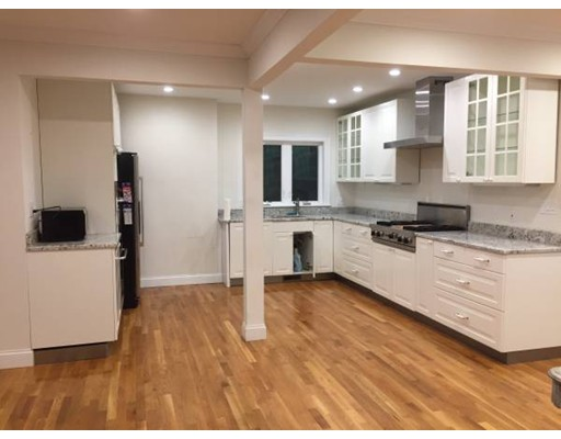 Additional photo for property listing at 195 Savin Hill Avenue  Boston, Massachusetts 02125 Estados Unidos