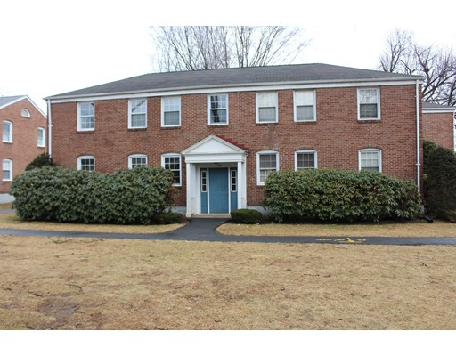 1554  Memorial Ave,  West Springfield, MA