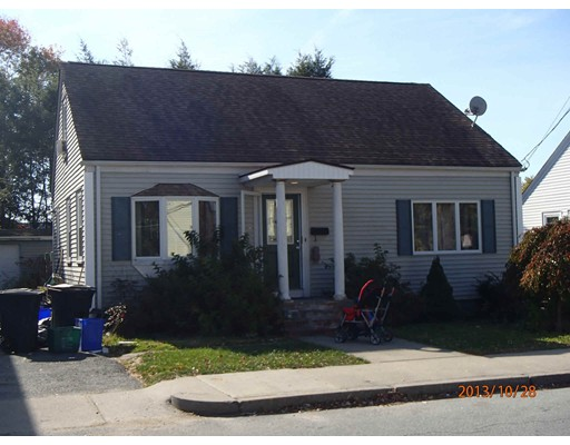Single Family Home for Sale at 117 Crescent Avenue 117 Crescent Avenue Cranston, Rhode Island 02910 United States