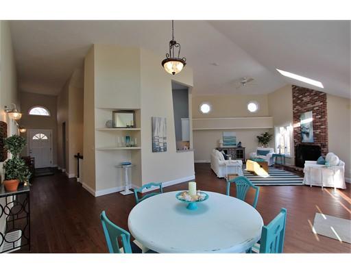 Additional photo for property listing at 2 Denis Drive  Sandwich, Massachusetts 02537 Estados Unidos