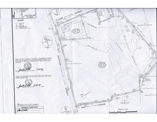 Commercial pour l Vente à 851 Bedford Street 851 Bedford Street Bridgewater, Massachusetts 02324 États-Unis