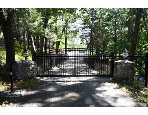 Single Family Home for Sale at 955 Duck Hill Lane 955 Duck Hill Lane Marshfield, Massachusetts 02050 United States
