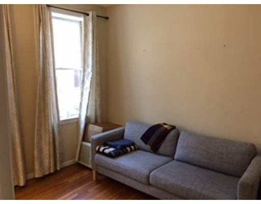 Additional photo for property listing at 57 West Cedar Street  Boston, Massachusetts 02114 United States