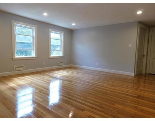 Casa Unifamiliar por un Alquiler en 243 West Street Needham, Massachusetts 02494 Estados Unidos
