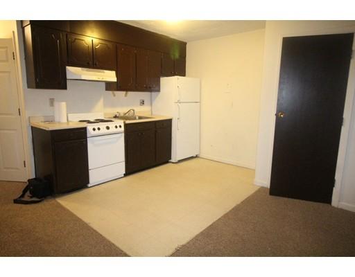独户住宅 为 出租 在 15 Wallbridge 波士顿, 马萨诸塞州 02134 美国